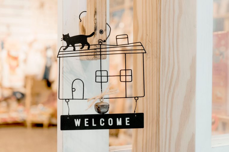 black-steel-welcome-hanging-signage-1406282